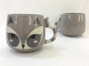 Ceramic cup with raccoon shape